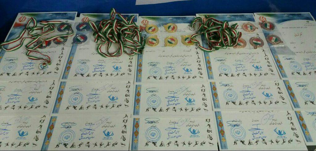 آماده سازی حکم های قهرمانی نخستین مسابقات رادیو کنترل استانی در رشته های ورزشی رادیو کنترل در شهر اراک